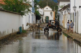 Paratys tuleb täiskuu ja  tõusu ajal vesi tänavatele