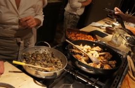 Valmimas on järjekordne hõrk õhtusöök koka juures kodus Provence reisil