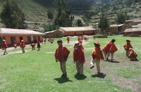 Rahvarõivastes kohalikud Peruus 2010
