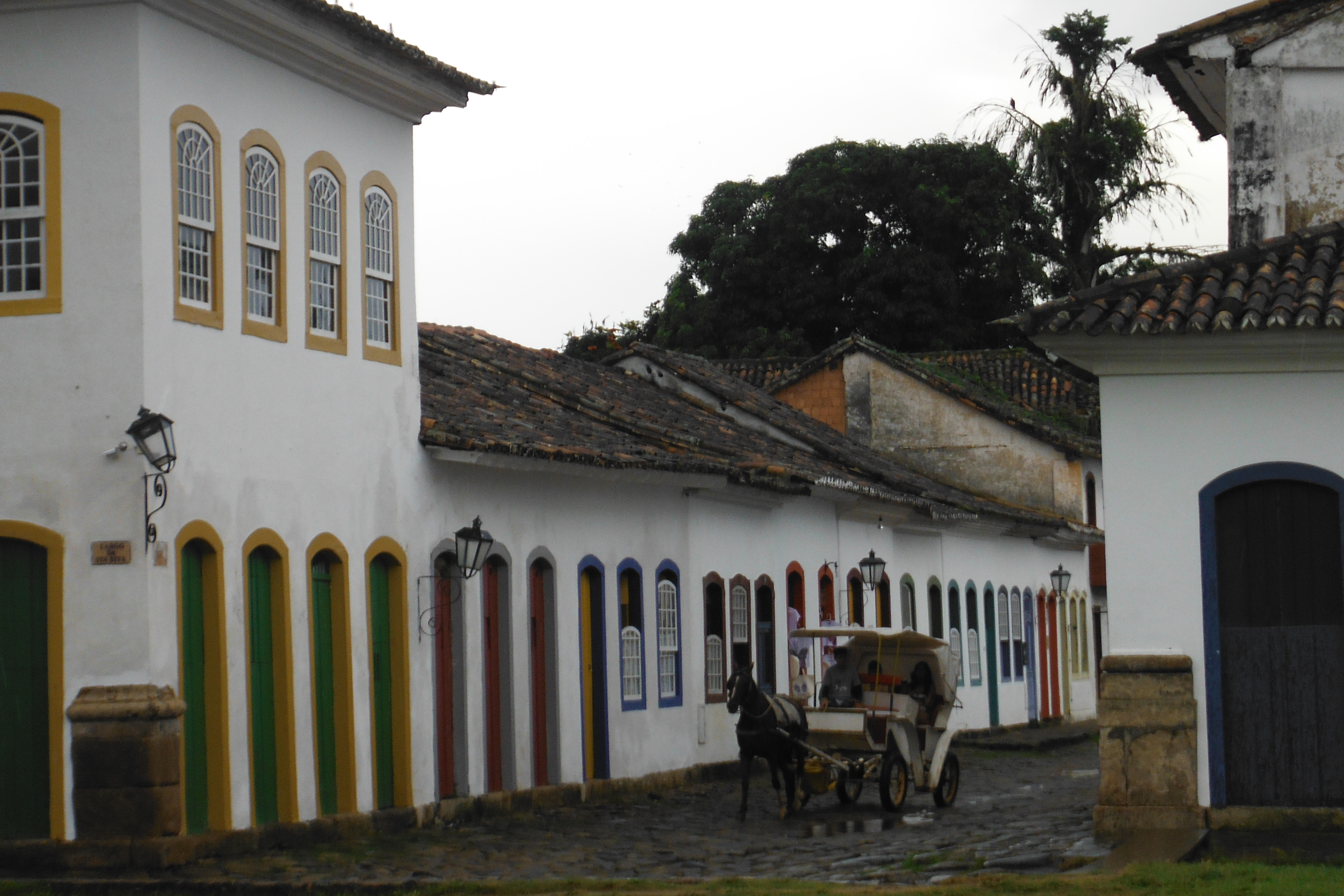 0739c2f27ca Paraty lähedale jäävad ka põnevad kalurikülad, kuhu välisturisti ega ka  mitte brasiillaste endi jalg just tihti ei satu ja kus elatakse hoopis  teistsugust ...