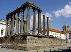 evora rooma tempel