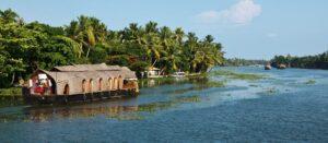 kumarakom-backwaters-houseboat