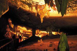 STB-mulu-langs-cave-01